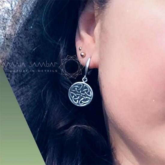 Women's Celtic jewelry