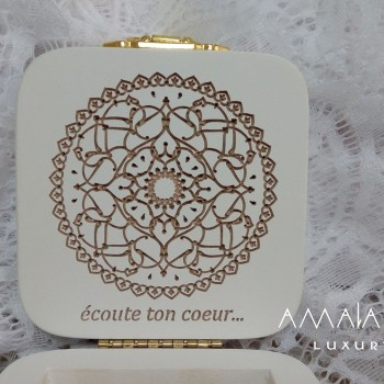 "Wooden jewelry box ""écoute ton coeur ..."""