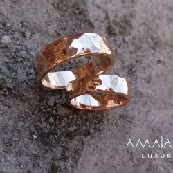 Wedding rings with stone texture